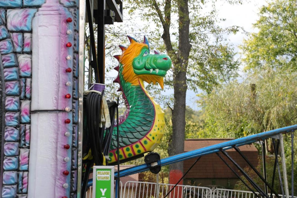 dragon carnival ride